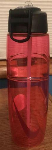 Nike T1 Flow 32 OZ Water Bottle Pink White Logo BPA free Swo